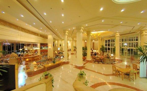 Отель Hilton Waterfalls 5*